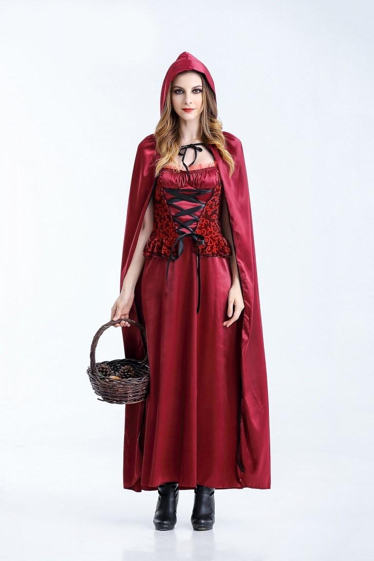 chọn quần áo Halloween màu đỏ