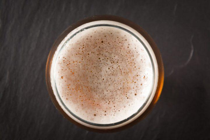 Cách làm trắng da mặt cấp tốc bằng bia
