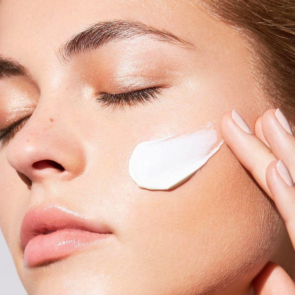 nổi bật nhờ có làn da được bảo vệ kĩ càng