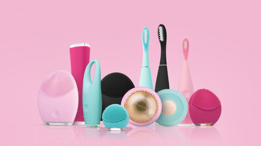 Ngoài các loại máy rửa mặt, FOREO cũng có rất nhiều các sản phẩm làm đẹp thông minh khác