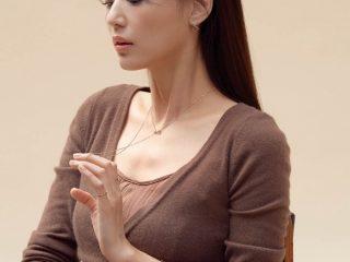 """Ơn trời, """"mợ chảnh"""" Jeon Jihyun cũng đã cắt mái và đoán xem kiểu mái nào được lòng nàng đây?"""