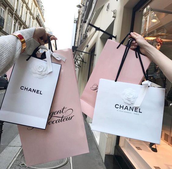 Retail Therapy- trị liệu bằng mua sắm