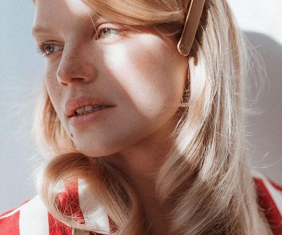 Ô nhiễm không khí khiến tóc bạn rụng nhiều? Các bí kíp detox tóc này sẽ giúp bạn!