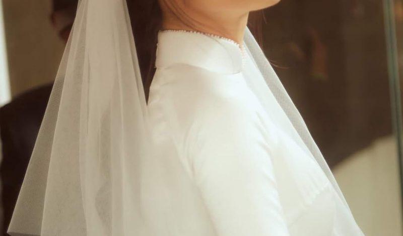 Soi ngay cách trang điểm đầy ngọt ngào của Đông Nhi trong ngày cưới!