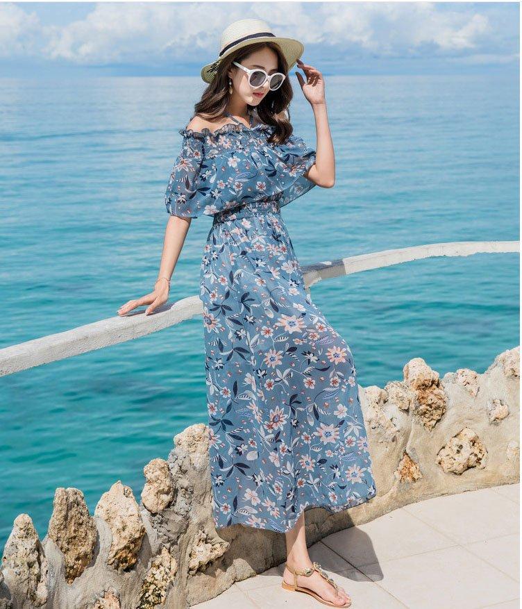 diện đồ đi biển - váy hoa trễ vai đi biển