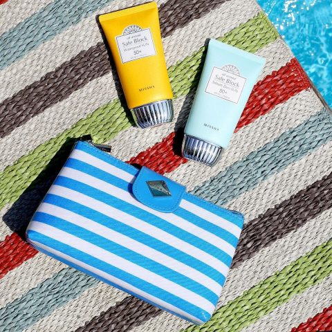 Tìm ngay 5 loại kem chống nắng dành riêng cho làn da dầu mụn hot nhất hiện nay
