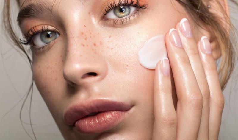Làm sao để da căng bóng mọi lúc mọi nơi khi mùa đông lạnh hanh khô?