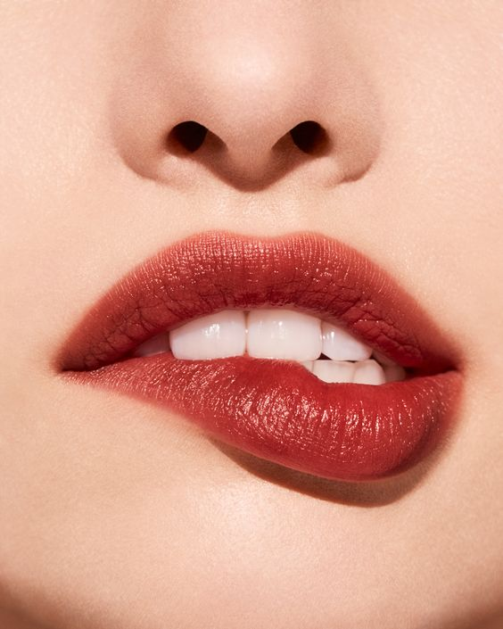 A just-bitten tint we can't resist. Swipe Crushed Lip Color in Blackberry onto the center of the lips, blending outward with finger to diffuse #BBGirlCrush