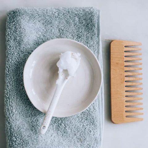 Công dụng và cách dưỡng tóc từ dầu dừa các nàng nên biết cho mái tóc chắc khỏe