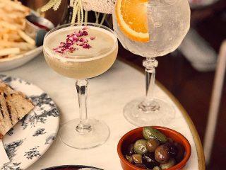 Tiệc Noel năm nay, bạn cần uống ít lại nếu không muốn bị Rối Loạn Lo Âu