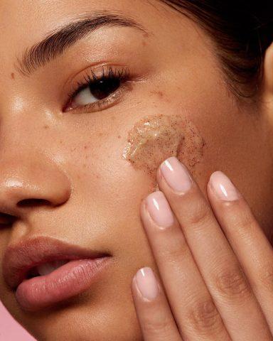 Dùng đường để tẩy da chết mà cũng có cẩm nang hướng dẫn sử dụng?