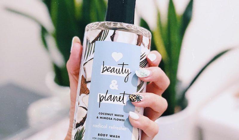 Bạn đã thử dùng sữa tắm dịu nhẹ thanh mát Love Beauty And Planet Coconut Water & Mimosa Flower chưa?