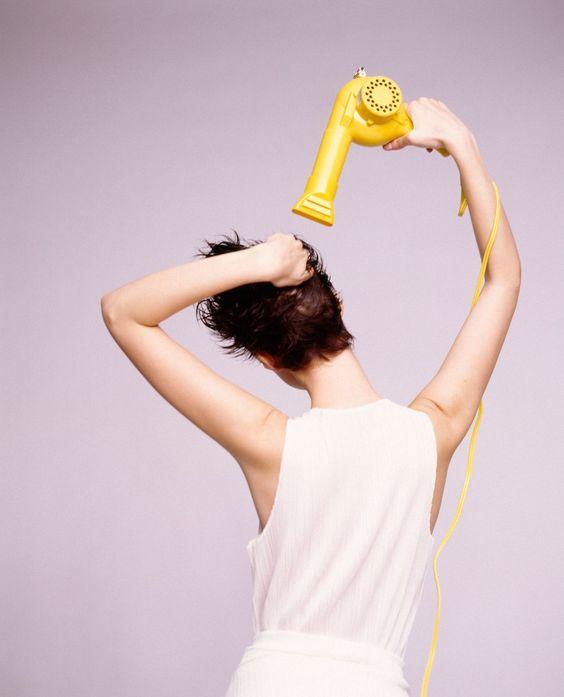 Hạn chế sấy tóc bằng dụng cụ toả nhiệt