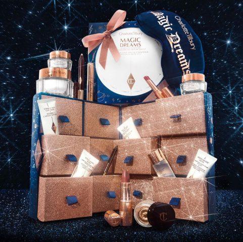 Còn gì hấp dẫn hơn Magic Moon Advent Calendar Vault cơ chứ!
