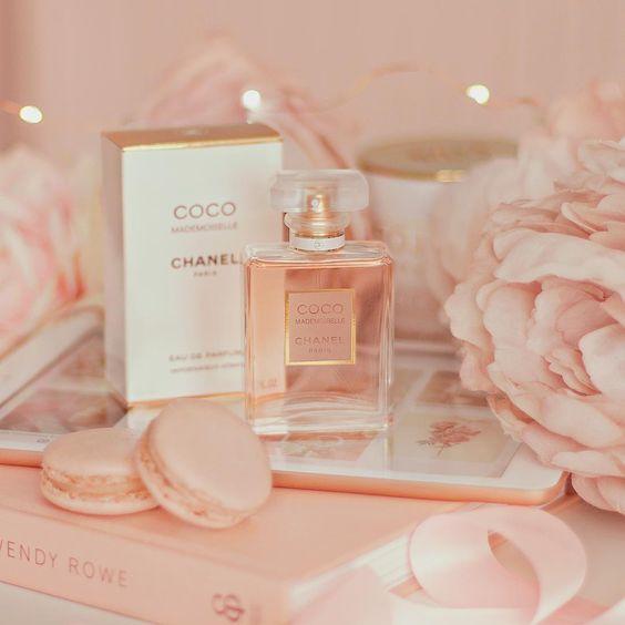 Những mẫu nước hoa phảng phất hương xuân ngây ngất