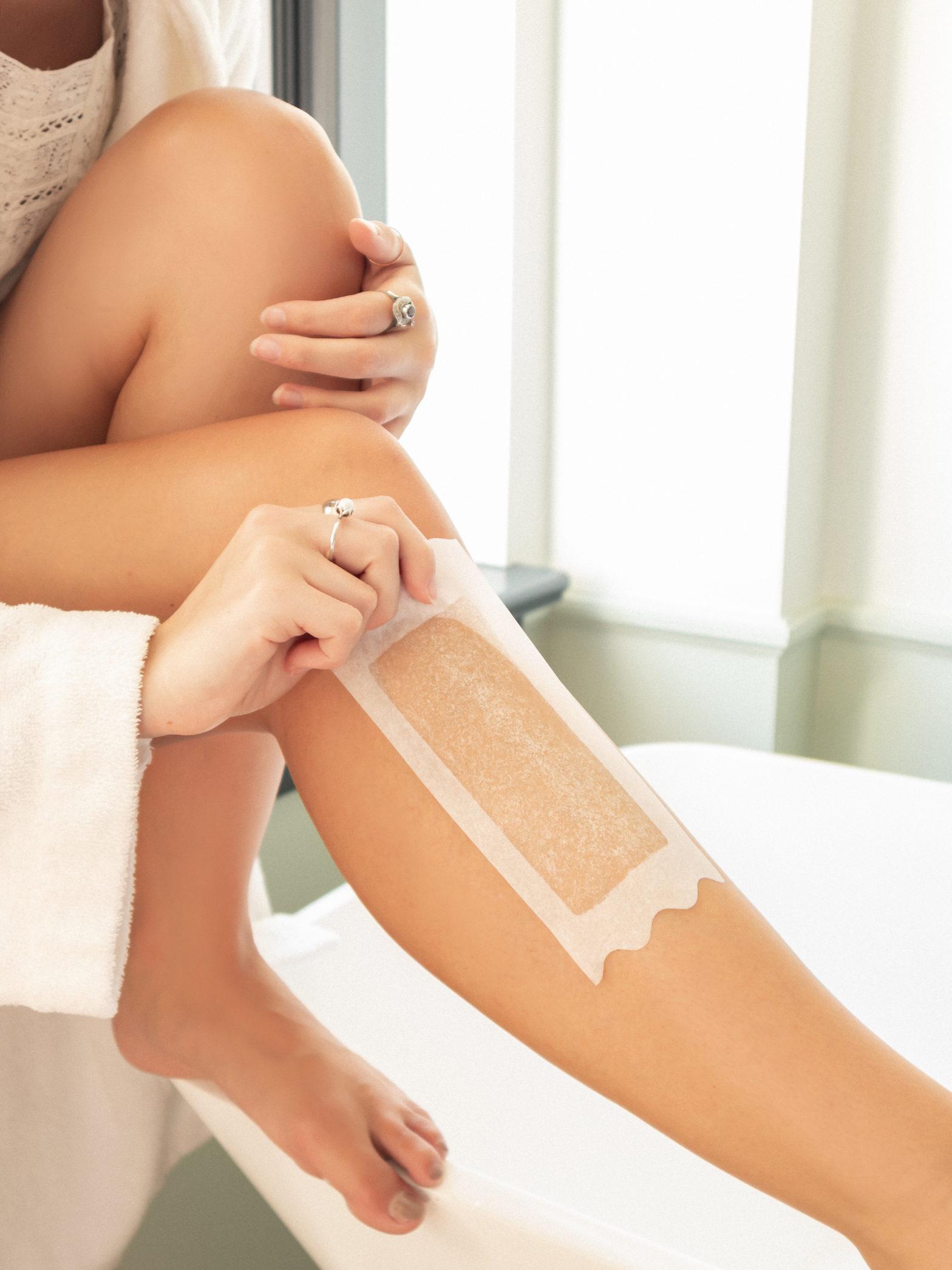 Phương pháp Wax lông chân