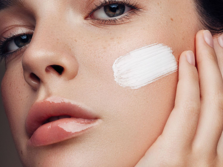 Kem dưỡng da mặt ban đêm nào tốt?
