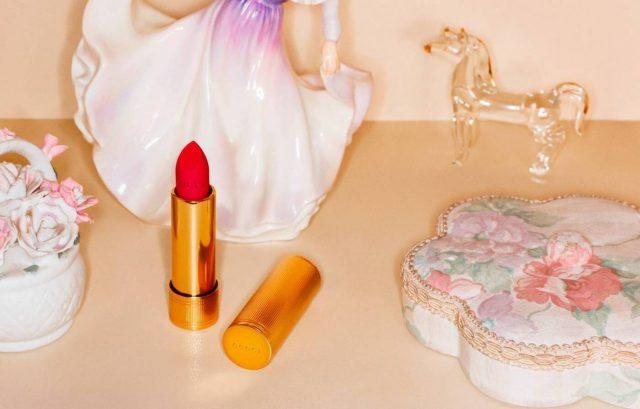 Có gì ở Rouge à Lèvres Satin Lipstick màu 505, thỏi son đỏ làm say lòng người của Gucci?