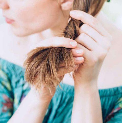 """Đâu là những """"liều thuốc"""" tốt nhất để điều trị """"căn bệnh"""" tóc chẻ ngọn?"""