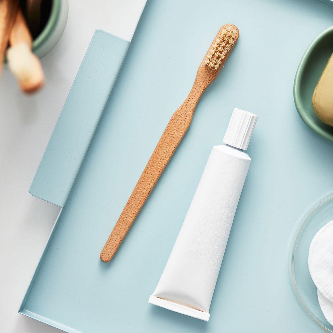 Kem đánh răng không phải là cách trị mụn bọc được bác sĩ da liễu khuyên dùng