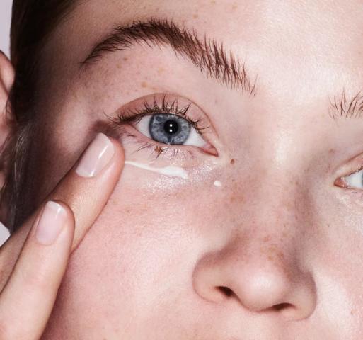 """Giải đáp thắc mắc về những vấn đề da vùng mắt bạn cần """"bỏ túi"""" ngay!"""