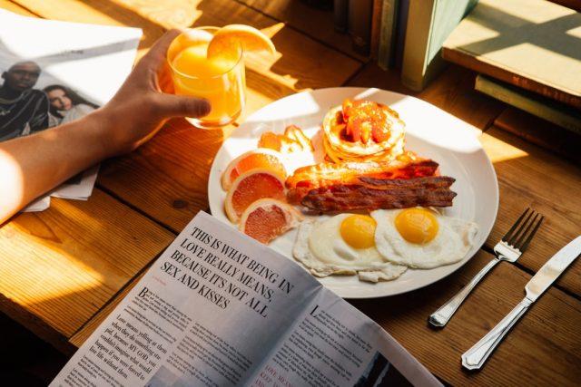 Một bữa sáng no nê thực ra sẽ giúp nàng đốt cháy nhiều calo hơn đấy!