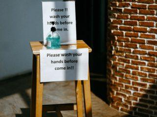 Giải mã: Liệu nước rửa tay khô có thực sự tiêu diệt được Virut Corona?