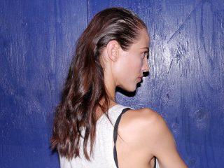 Cách sử dụng hiệu quả dầu xả mềm mượt tóc cực đơn giản