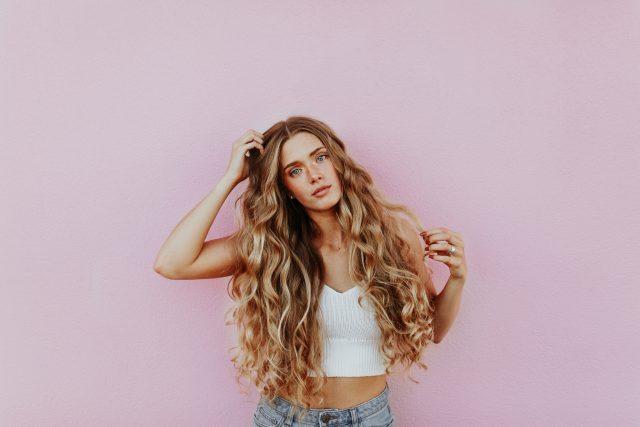 Nàng có biết, tóc cũng cần dầu gội cân bằng độ pH như da mặt cần toner?