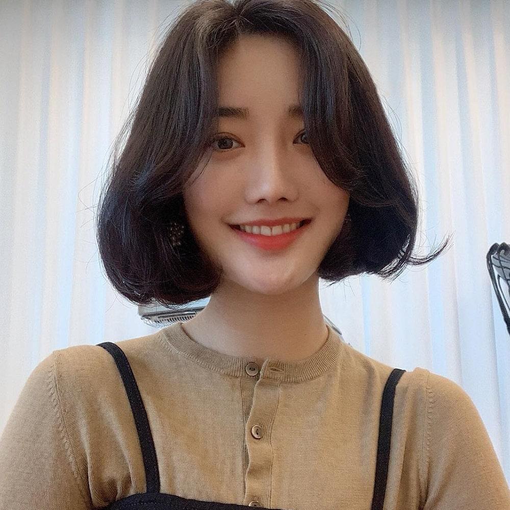 Tóc ngang vai uốn phồng Hàn Quốc