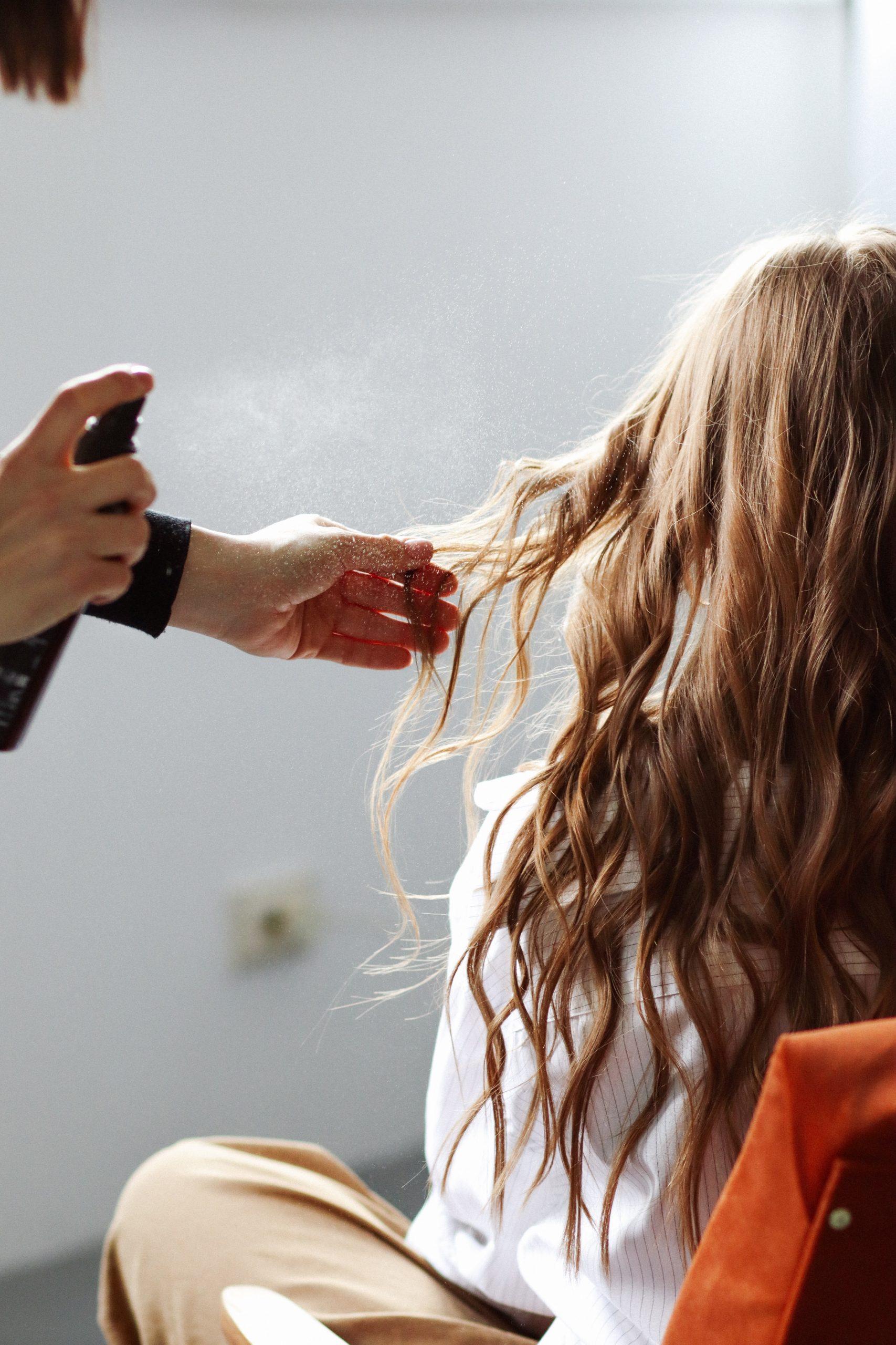 chăm sóc tóc nhuộm màu nâu rêu với toner