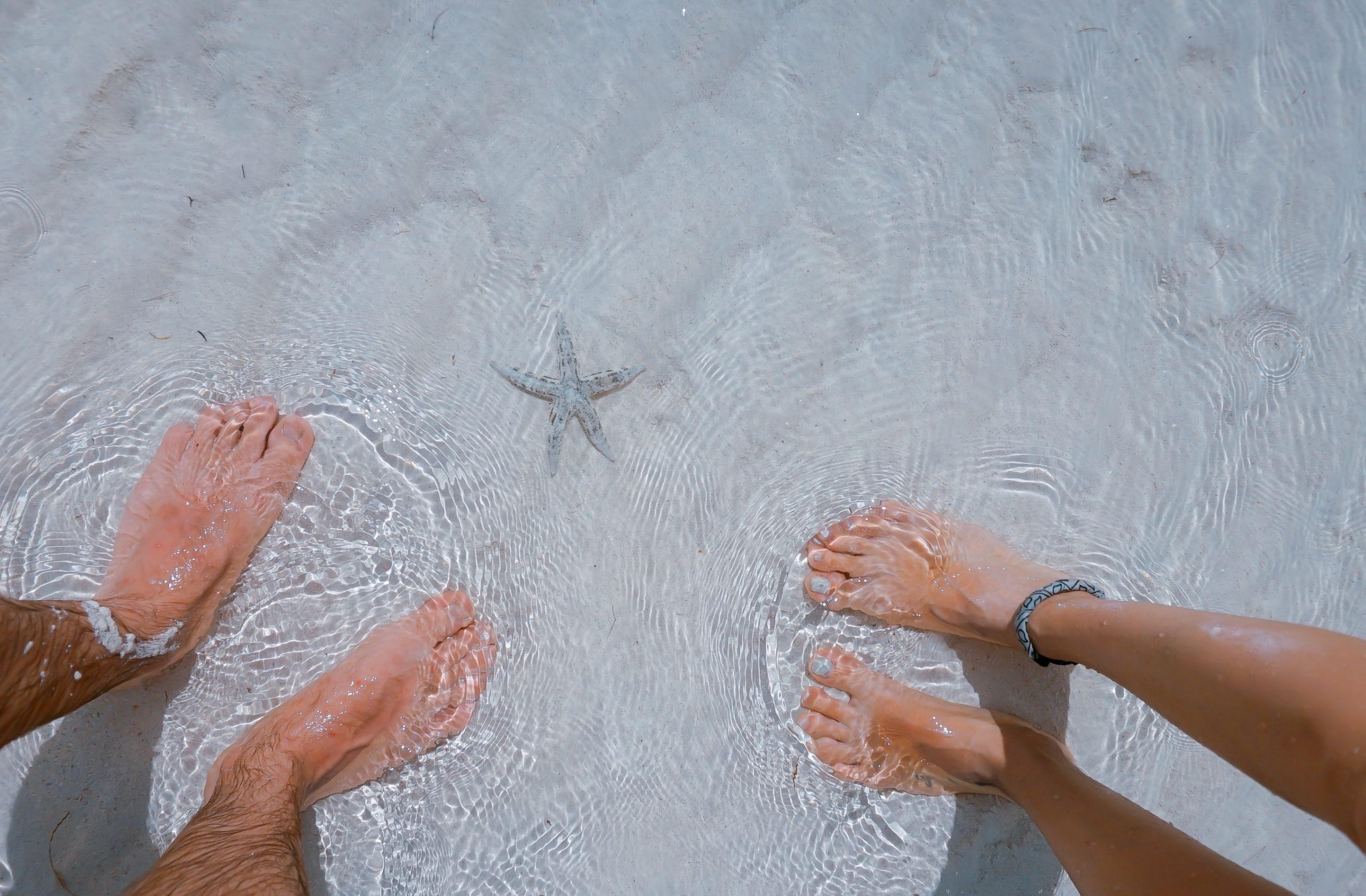 Không ngâm chân trong nước mưa