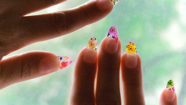 HOT: Đây chính là 6 mẫu nail đẹp nhất cho những ngày hè rực rỡ của bạn