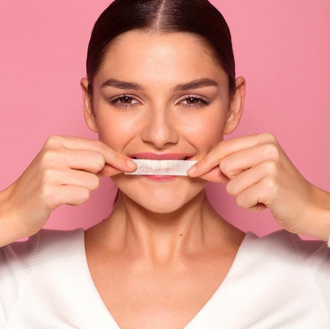răng trắng hiệu quả cùng miếng dán trắng răng