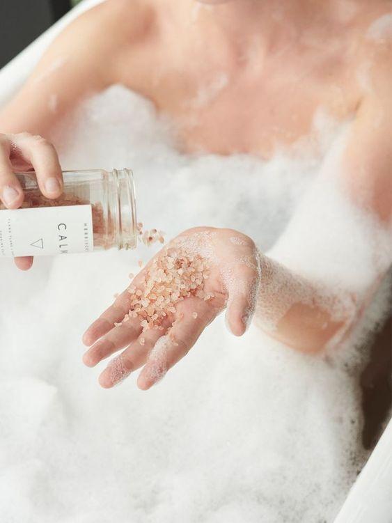 Muối tắm giúp thải độc tố