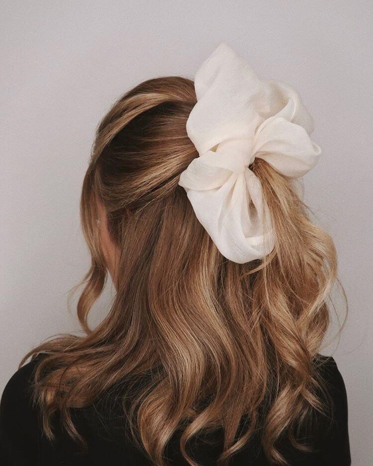 kiểu tóc Scrunchies khổng lồ