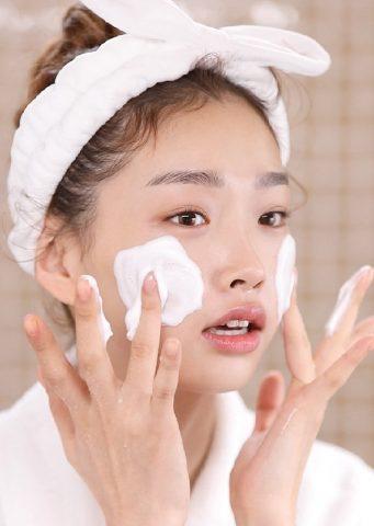 """Sữa rửa mặt làm sạch sâu là """"át chủ bài"""" để nàng có làn da sáng mịn không tì vết"""