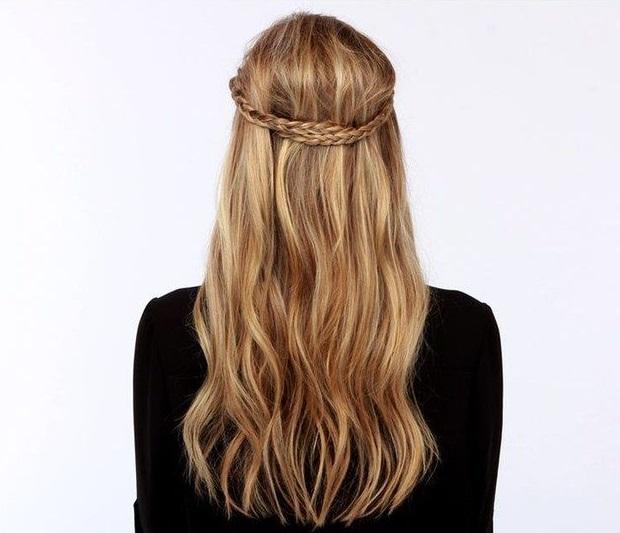 Kiểu tóc nữ đẹp với tóc thắt bím ngôi báu