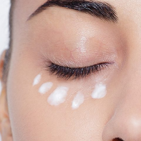 9 sai lầm thường gặp khi sử dụng kem mắt chống lão hóa