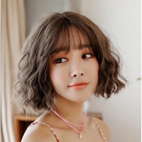 tóc ngắn xoăn