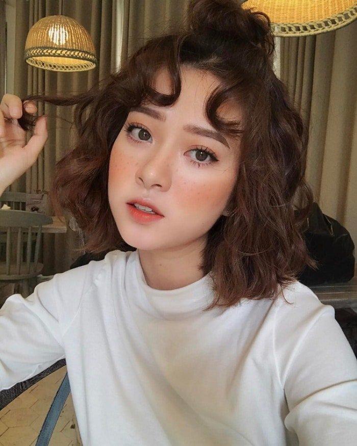 Tóc ngắn idol Hàn Quốc giả xoăn