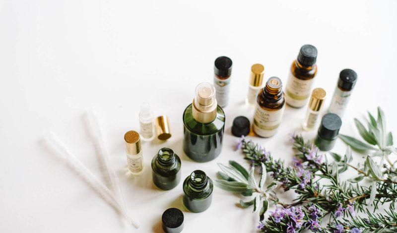 Muốn chăm sóc bản thân tốt hơn? 5 liệu pháp mùi hương khơi gợi cảm xúc sau chính là điều bạn cần!
