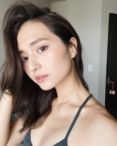 """Mochi Skin của Nhật và Glass Skin của Hàn, đâu mới là quy trình chăm sóc da mặt """"chân ái"""" nàng nên áp dụng?"""
