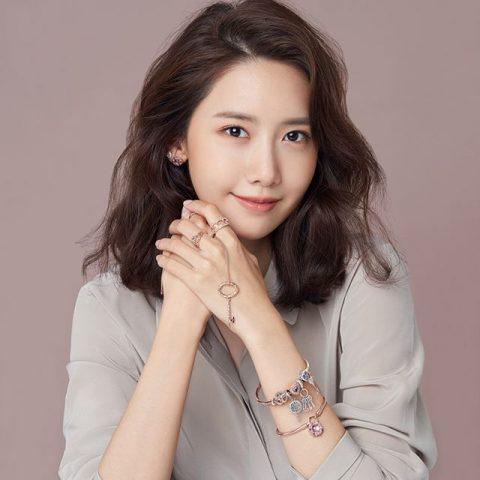 Ngôi sao KPOP Yoona mách bạn 7 bí kíp để sở hữu làn da trắng sáng nổi bật