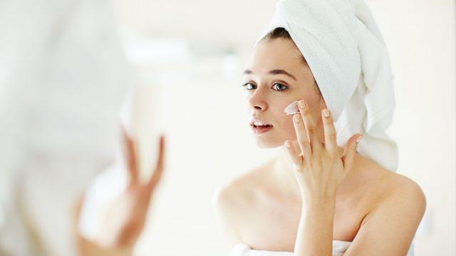 Hyaluronic Axit là gì và công dụng tuyệt vời của nó trong việc chăm sóc da