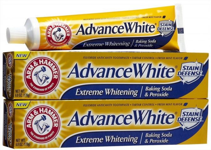 Kem đánh răng làm trắng Arm & Hammer Advance White Extreme