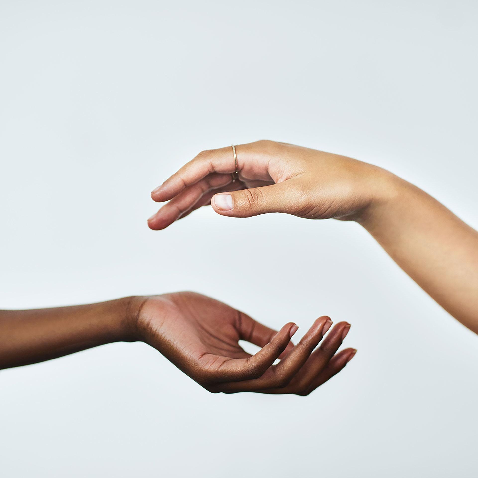 cách làm da tay mềm mại