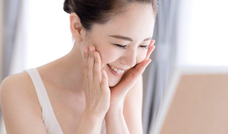 Đâu là những thành phần tốt nhất nên có trong sữa rửa mặt trắng da?