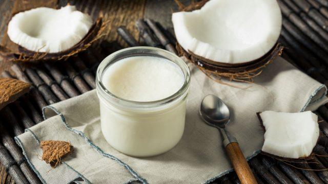 Sử dụng dầu dừa cho tóc như thế nào để hiệu quả?