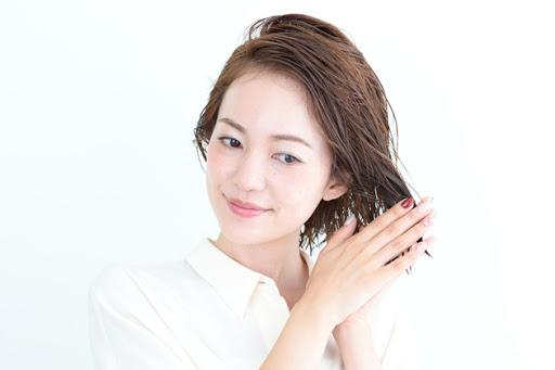 tóc xoăn ngắn lọn